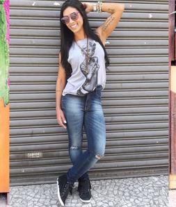 Calça Jeans Médio Escuro Skinny Hot Pants Joelho Rasgado Degrant