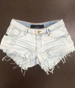 Shorts 3D Jeans Delavê Bordado Desfiado Degrant