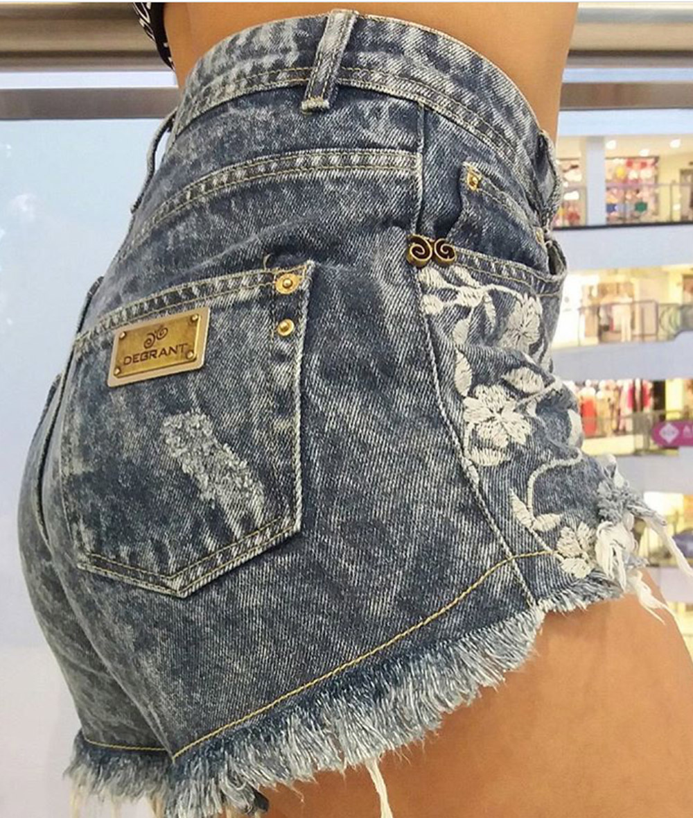 37a1621cd ... Shorts Jeans Cós Alto Bordado Flores Degrant
