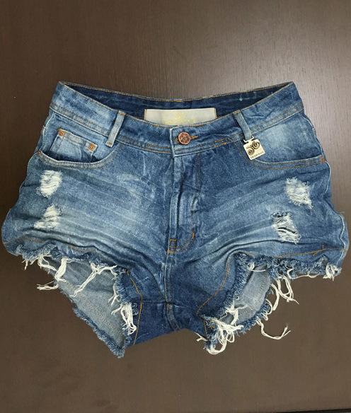 Shorts 3D Desfiado Jeans Médio Cós Alto Degrant