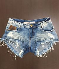 Shorts 3D Jeans Médio Desfiado Bolso Couro Degrant