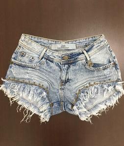 Shorts 3D Jeans Super Desfiado com Tachas Degrant